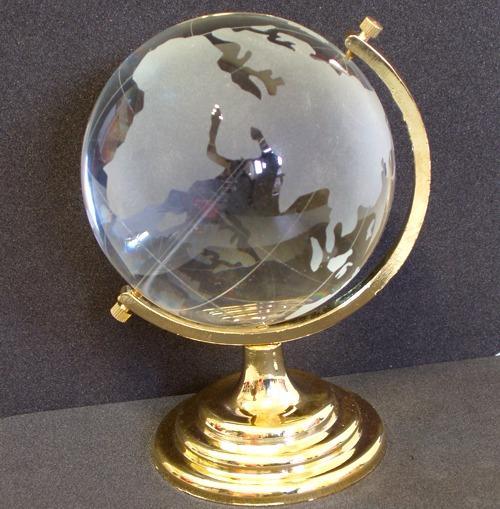 Стеклянный настольный глобус с