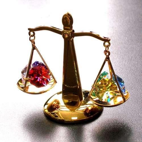 Подарки весы золочение кристалы